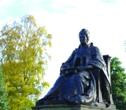 Isabella Elder, statue in Elder Park, Govan, image by Alice Gordon 2014
